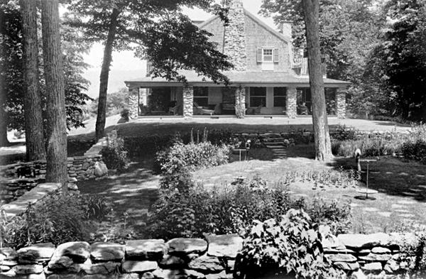 1930s garden pic 2_ws.jpg