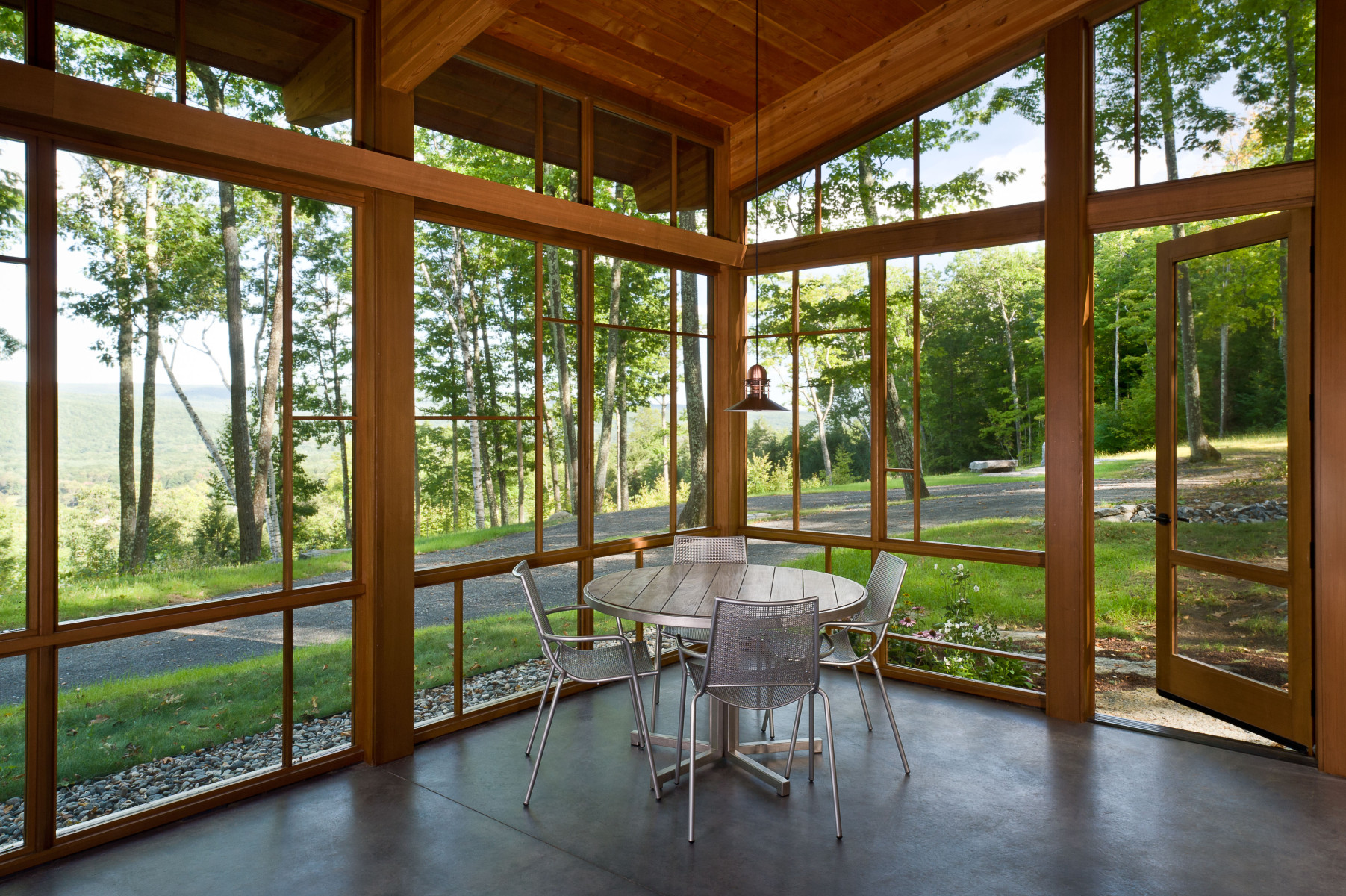 GB-modern-Cabin-SE-screen-porch